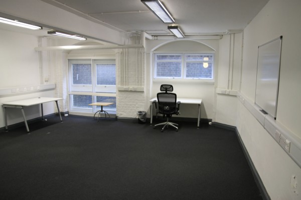 hub-room-wide-2low